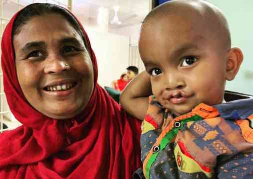 This Mum Happily Chatted In Her Native Tongue To Their Story Is Our Story As She Waited With Her Son For His Chance For Surgery