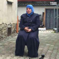 Amina Sitting