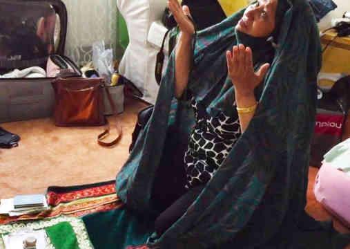 Rasheeda Kneeling