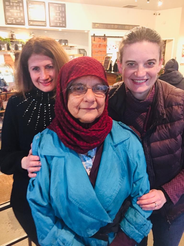 """""""Auntie Farida"""": Supporting Refugee Women"""